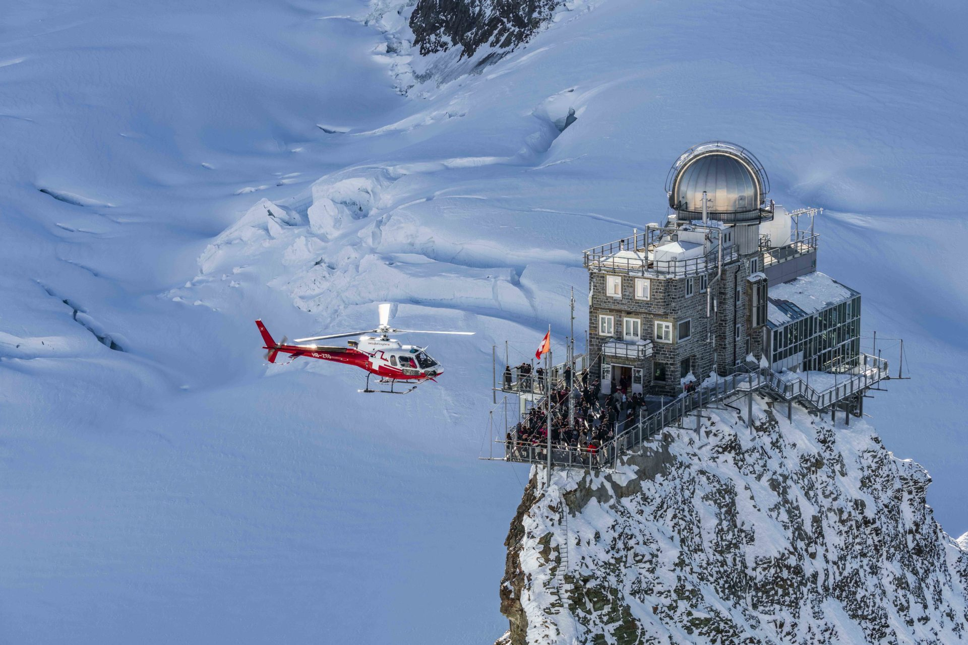 Swiss-alps-helicopter-tour-The-Sphinx-Observatory-top-of-europe